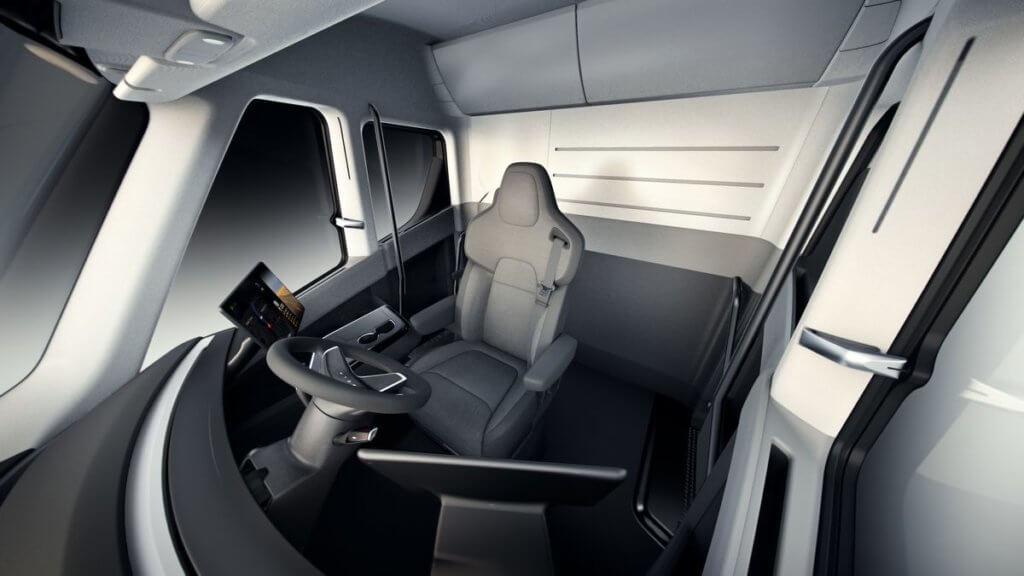 Салон Tesla Semi