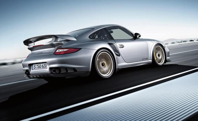 5 самых опасных автомобилей - 2011 Porsche 911 GT2 RS